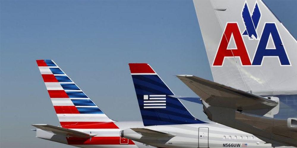 Un empleado de American Airlines baila alocadamente en la pista de aterrizaje y se vuelve viral