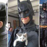 Se viste de Batman para rescatar a animales que van a ser sacrificados y les busca adopción